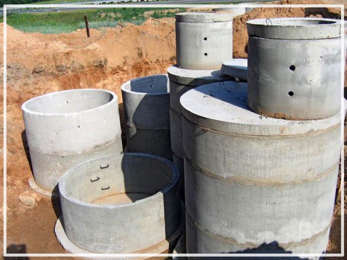 глубина дренажного колодца из бетонных колец