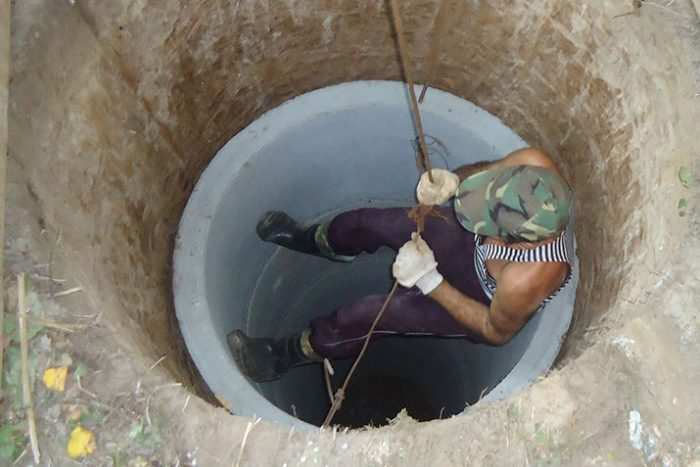 как углубить колодец из бетонных колец