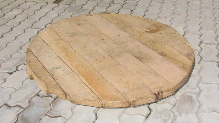 крышка для колодца деревянная