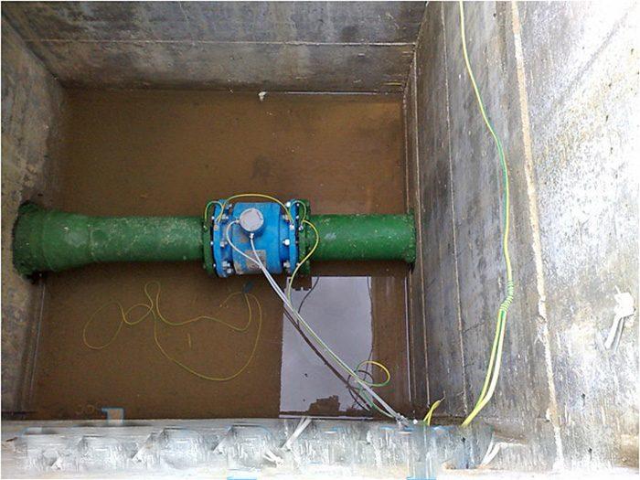 установка водяных счетчиков в колодце