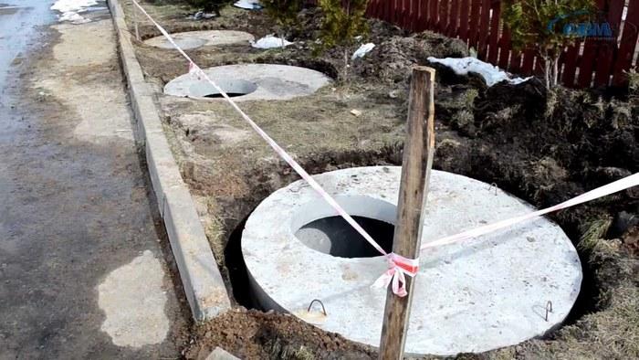 установка перекрытия на септик из колец жби