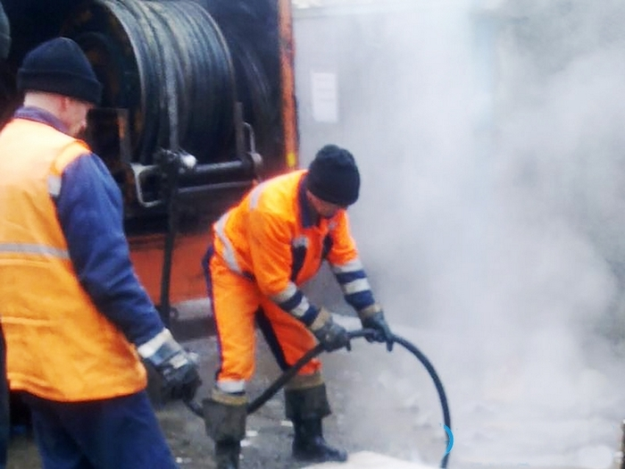 замерзла канализационная труба что делать
