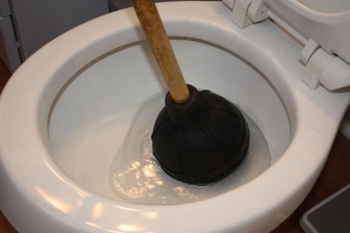 запах в туалете как избавиться
