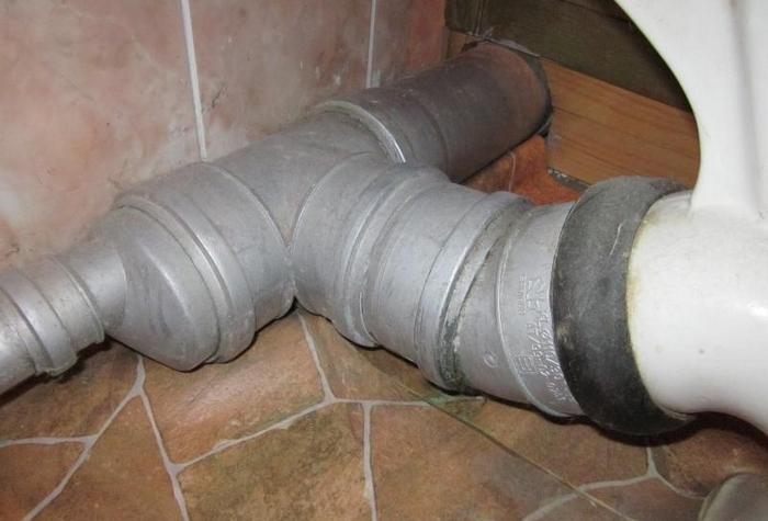 Соединение гофры с канализацией