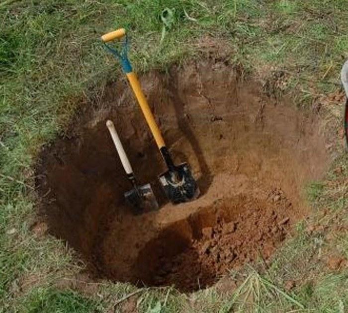 выгребная яма с бетонными кольцами