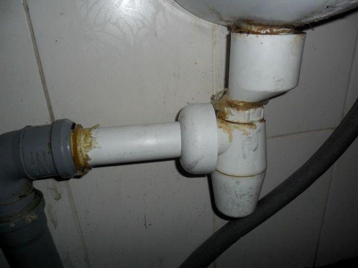 запах в канализации в частном доме