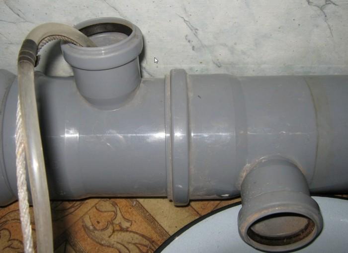 чем разморозить канализационную трубу