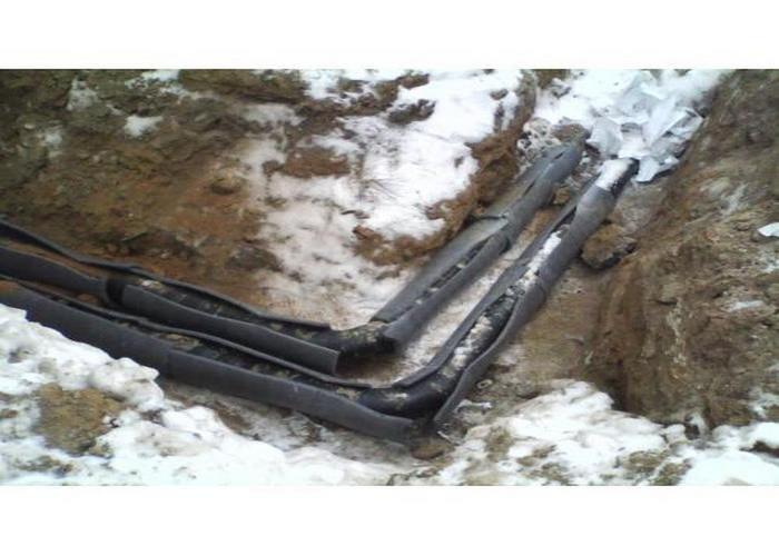 течь канализационного стояка