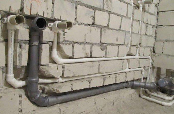 как поменять канализацию в квартире