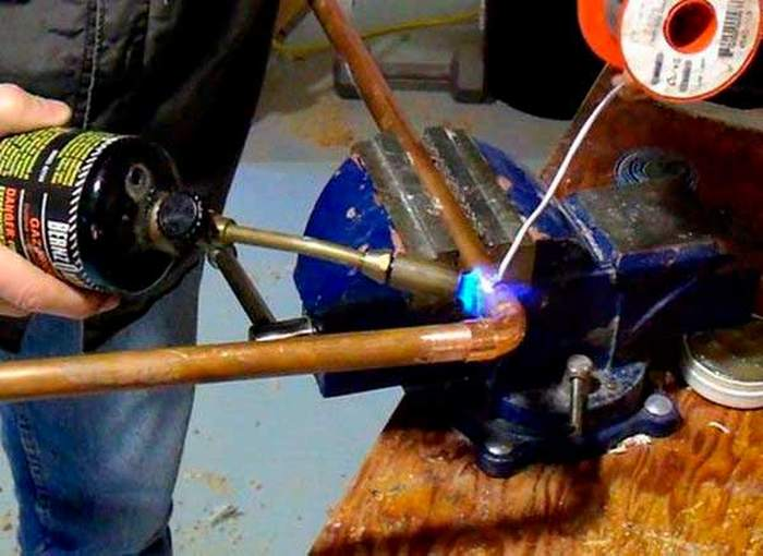 видео пайки медных труб