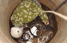 как очистить выгребную яму