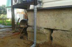 водосток из канализационных труб