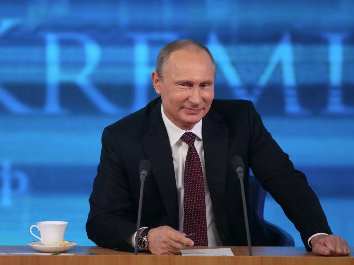 Путин не будет повышать налоги для богатых