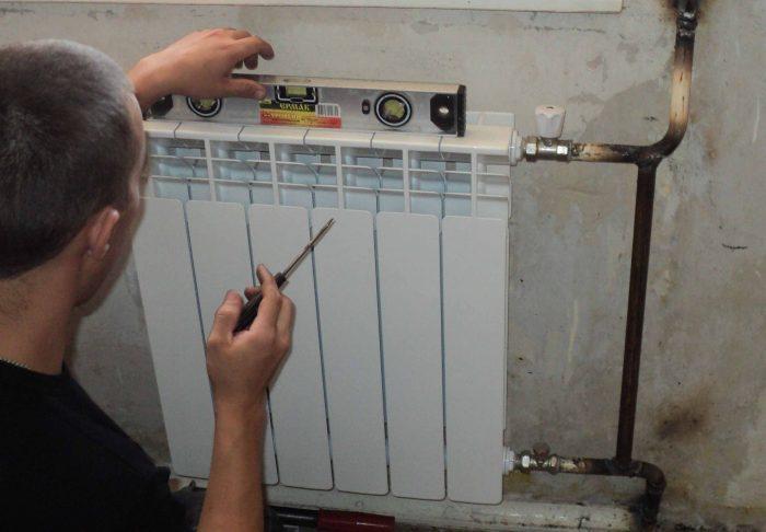 монтаж биметаллических радиаторов