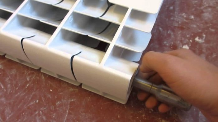 соединить алюминиевые радиаторы
