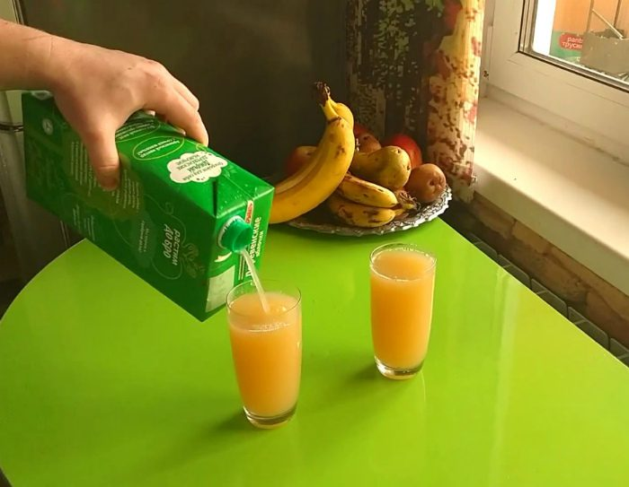 как наливать сок из тетрапака
