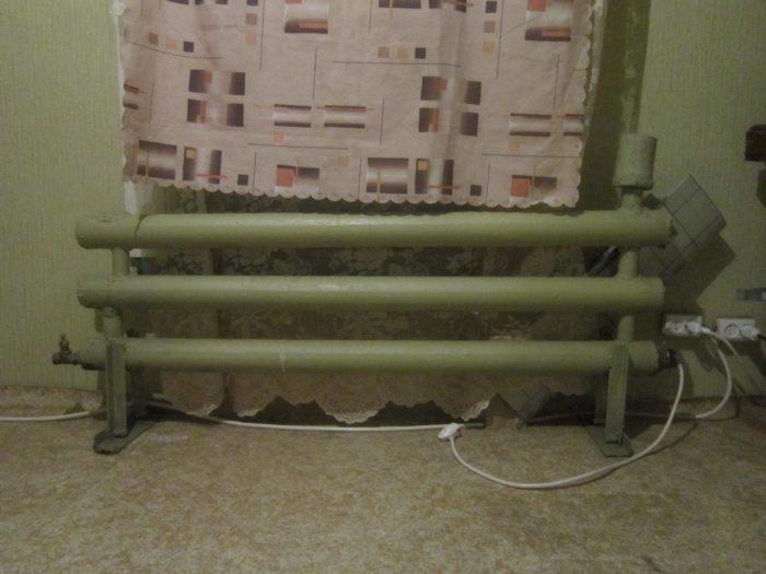 установка нагревательного ТЭНа в батарею