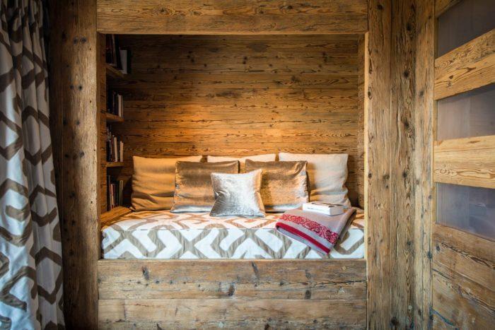 Маленькая спальня в рустикальном стиле