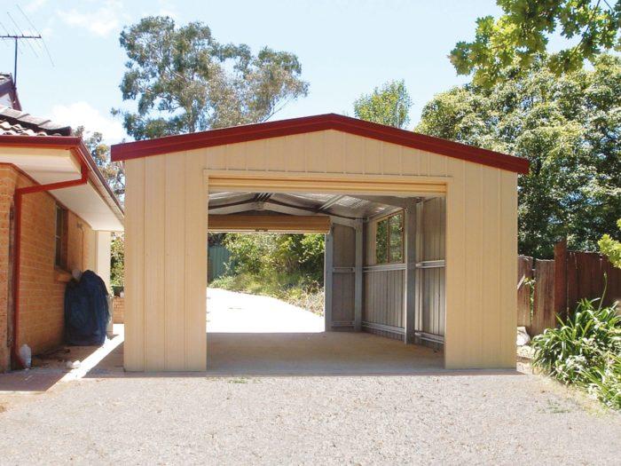 Пример гаража на маленькой даче