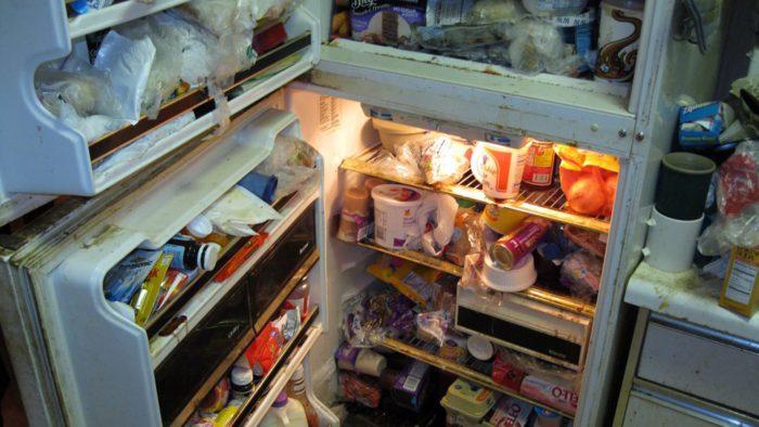 Беспорядок в холодильнике