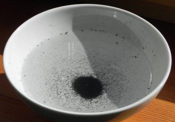 активированный уголь для чистки посуды