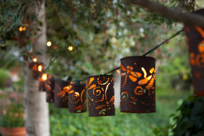 Светильники из жестяных банок