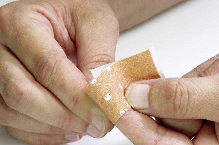 пластырь на ногти