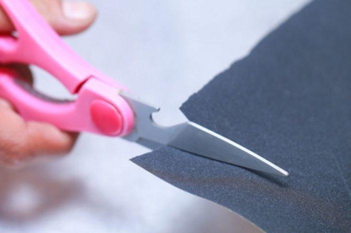 заточка ножниц наждачной бумагой