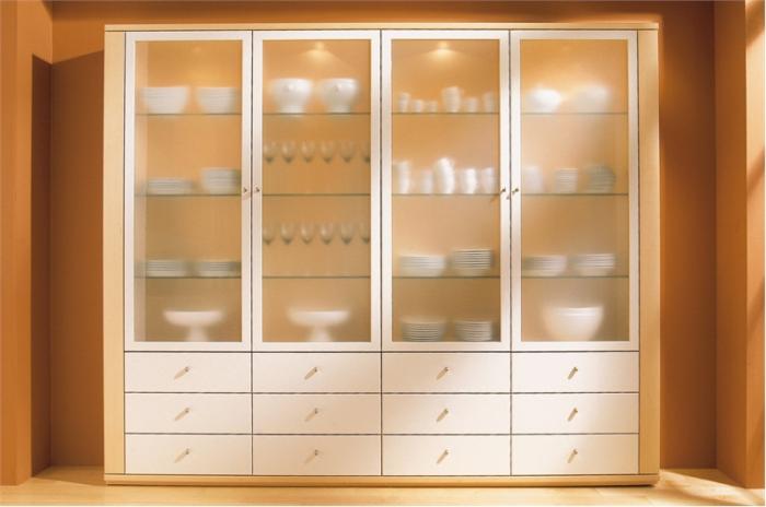 шкафчики под стеклом