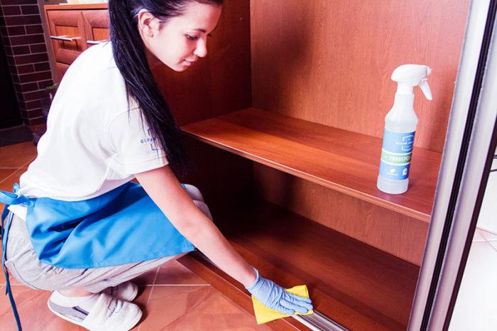 генеральная уборка в шкафу