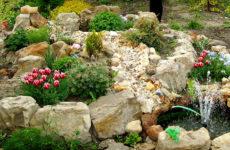 Как применить большие камни на участке