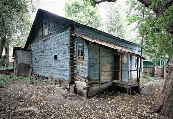 не стоит ремонтировать старый дом