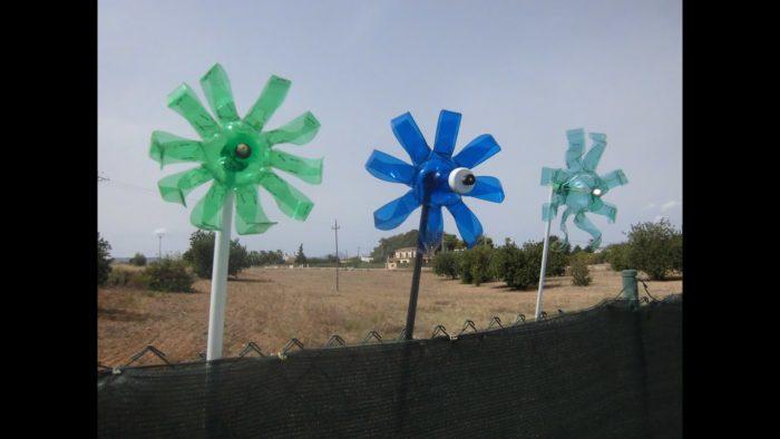 Ветряк от птиц из пластиковых бутылок
