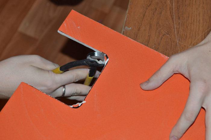 Как кусачками разрезать плитку