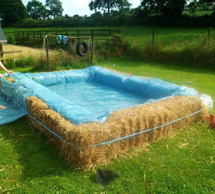 бассейн из сена на даче