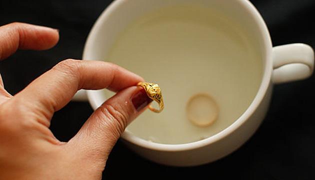 чистка золота содой и солью