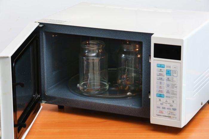 Стерилизация банок в микроволновке