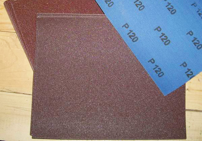 удаление катышек наждачной бумагой