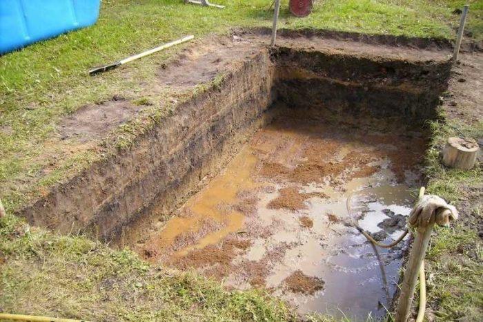 роем яму под бассейн