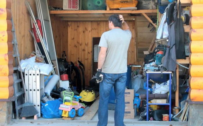 беспорядок в гараже