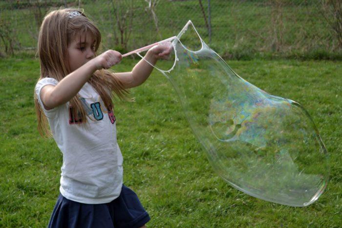 надуваем пузыри ниткой