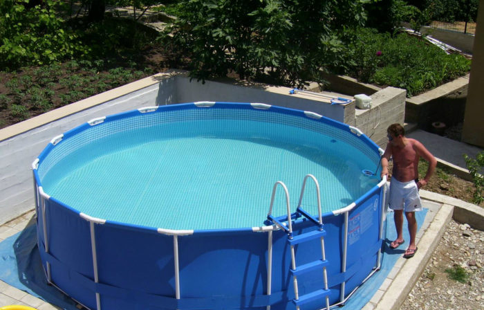 как заделать дырку в бассейне