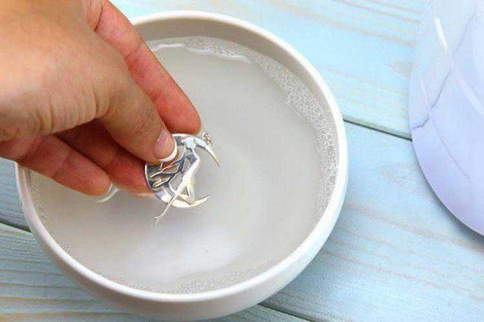 чистка серебра картошкой