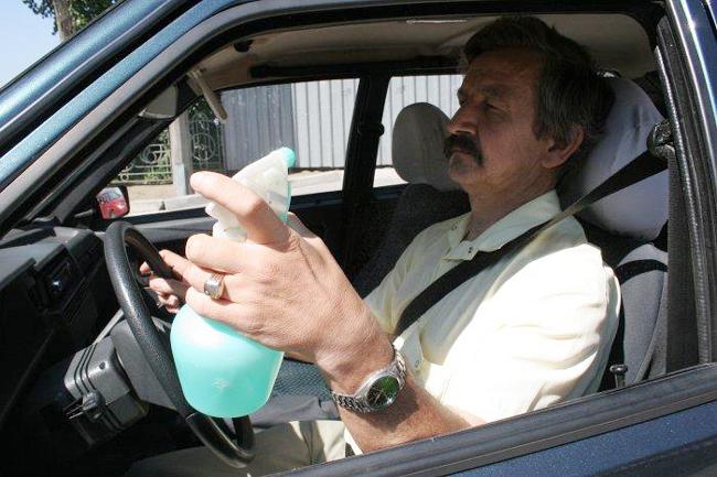 как спастись от жары в машине