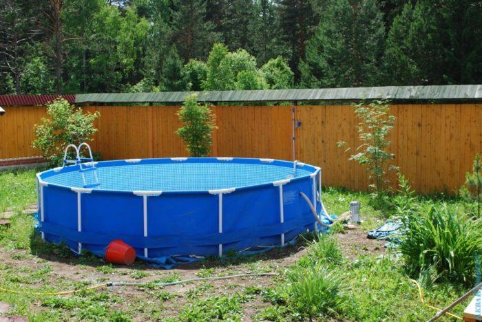 выбираем бассейн для дачи