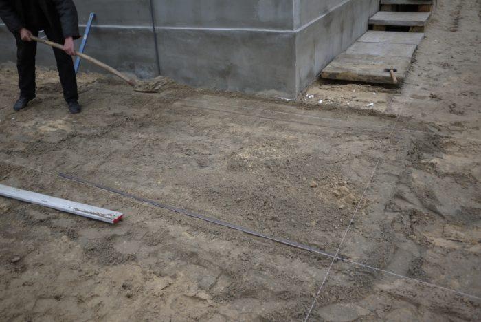 выборка грунта под плитку