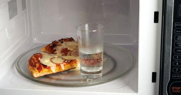 нельзя кипятить воду в стакане