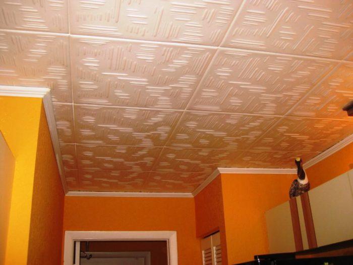 пенопластовый потолок на кухне