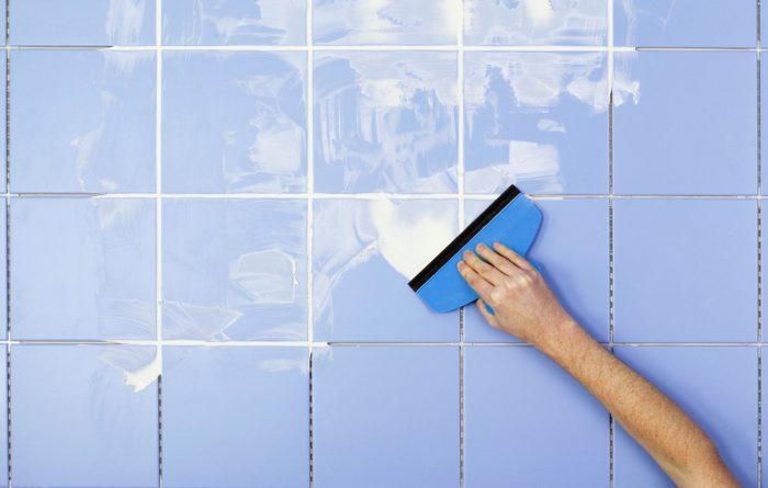 Подновление швов на плитке в ванной
