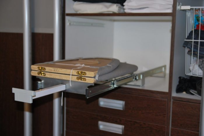 Гладильная доска встроенная в мебель